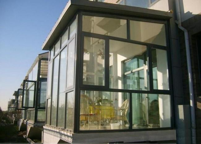 Благодаря правильному уходу алюминиевые окна прослужат вам очень долго