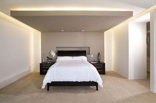 Мягкая скрытая подсветка создает атмосферу, настраивающую на отдых