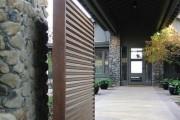 Фото 7 Ворота и калитки из профнастила (51 фото) — простой и доступный способ защиты участка