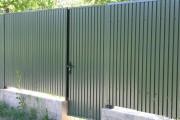 Фото 11 Ворота и калитки из профнастила (51 фото) — простой и доступный способ защиты участка