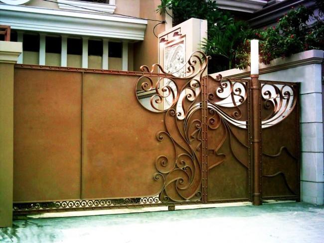 Декоративные ворота рельсового типа