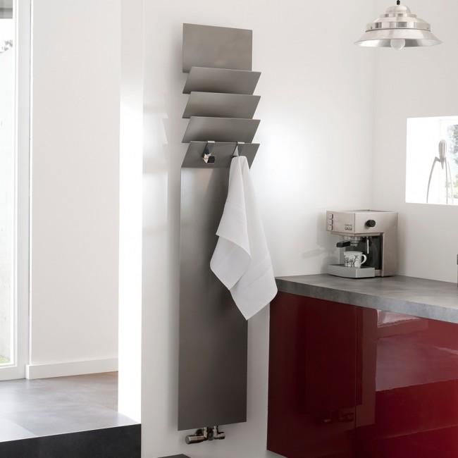 Алюминиевые радиаторы отопления. Ультратонкий дизайнерский радиатор из алюминия. Может применяться и как полотенцесушитель, и как батарея отопления в жилом помещении, неся одновременно и  декоративную функцию
