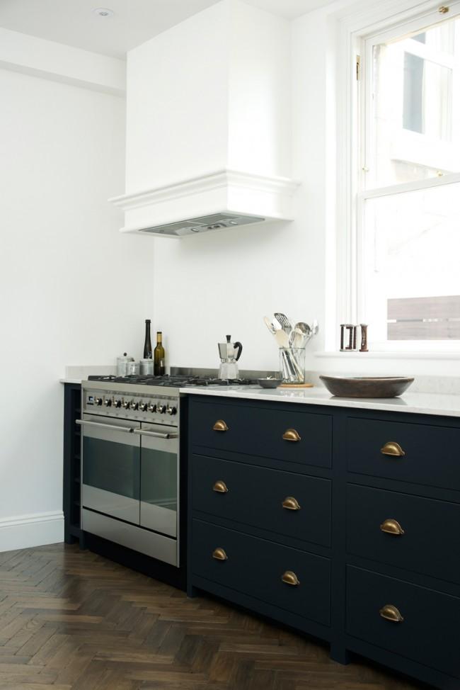 Ручка-раковина идеально подойдет для интерьеров кухонь оформленных в стилях минимализм и хай-тек