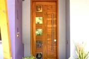 Фото 31 Дверные ручки для входных дверей (60 фото): виды изделий и правила выбора