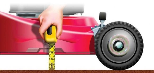 Бензиновые самоходные газонокосилки. Установите достаточную высоту срезания травы, не менее чем 2 дюйма (5 сантиметров). Высокая трава растет сильной и не дает конкурировать с собой сорнякам