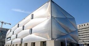 Необычный фитнес-центр во Франции с фасадом из пузырьков фото