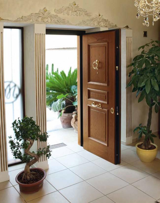 Лучшие входные двери в частный дом. Двери из массива дерева - элегантный выбор