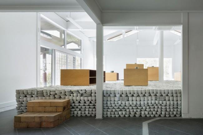 maruhiro-hasami-ceramics-flagship-store_designboom_001