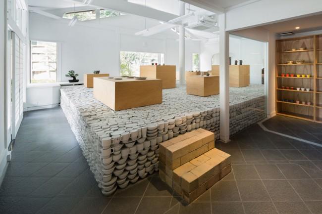 maruhiro-hasami-ceramics-flagship-store_designboom_003