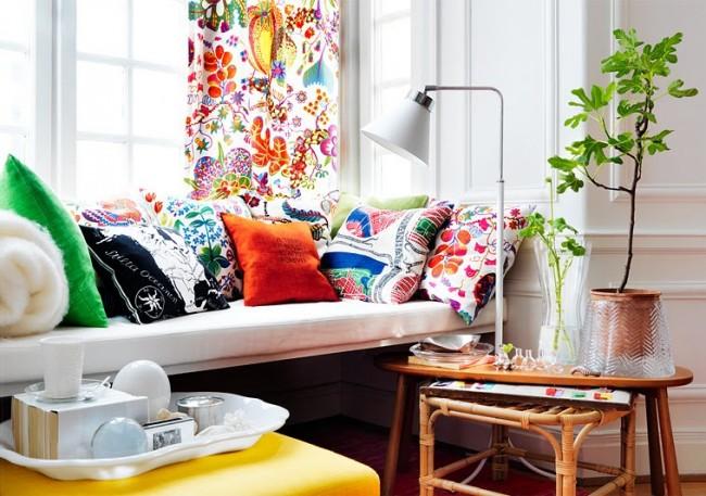 У вас дома много декоративных подушек? Вам приходилось мириться с тем, что вышитая вещь из деликатной материи безнадежно испортилась после стирки? Тогда вам нужен домашний пароочиститель
