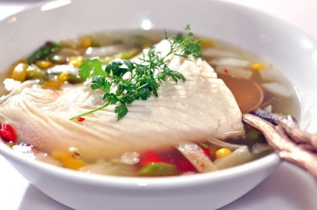 Рейтинг холодильников по качеству и надежности. Обычное утро в Японии, особенно островных районов - люди, спешащие в 5-6 утра на рынок за свежевыловленным тунцом себе и семейству на завтрак. Но совсем не нужно делать так же, имея современный холодильник - морская и речная рыба ничуть не потеряют в нем ценность для гурманов за несколько дней хранения