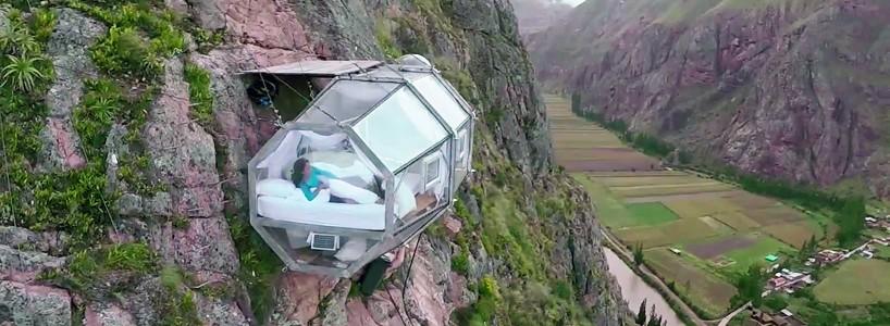 Прозрачные подвесные капсулы в долине Перу