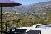 Фото 3 Удивительные пейзажи открываются из необычного отеля Vivood