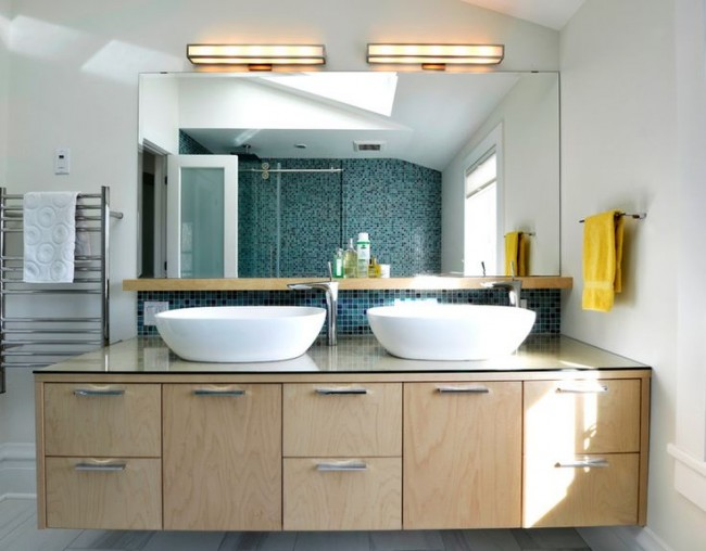 Влагозащищенные светильники для ванной комнаты. Продвинутый вариант классических настенных светильников, с геометричным дизайном и LED-диодами в качестве светоизлучателей вместо привычных ламп накаливания