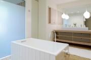Фото 9 Влагозащищенные светильники для ванной комнаты: лучшие бренды и обзор стильных моделей