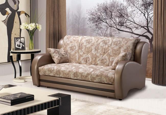 Ставьте перед диваном мебель, которую вы легко сможете передвинуть, так как в разложенном виде он занимает больше пространства