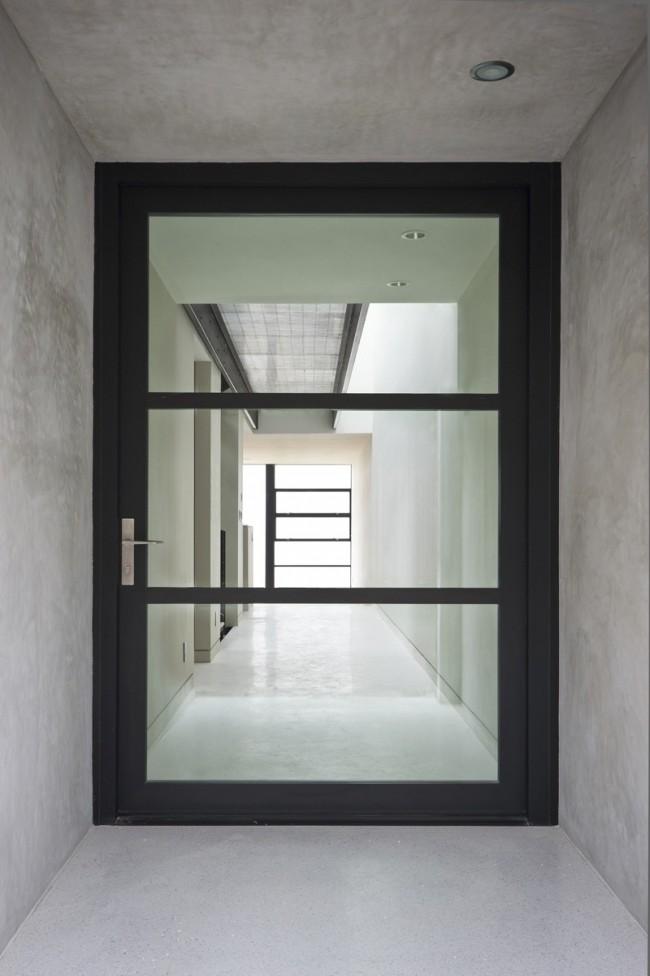 При правильном использовании срок службы стеклянных дверей будет намного больше, чем у остальных