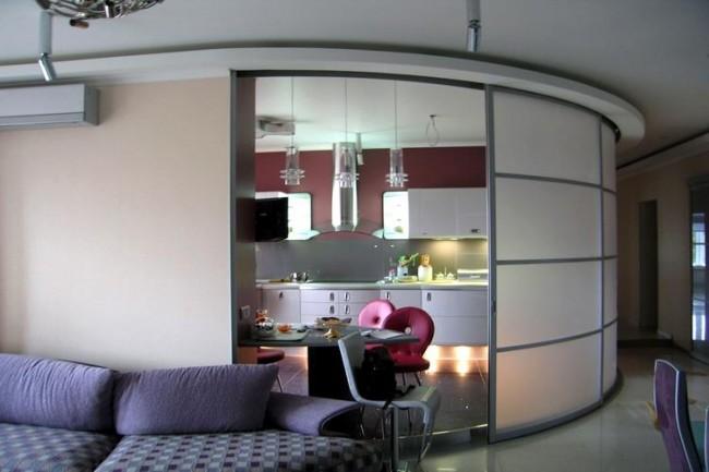 Радиусные двери являются оригинальным и стильным решением в вашем интерьере
