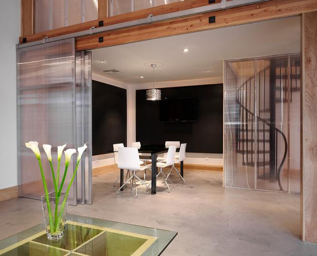 Стеклянные межкомнатные двери (60 фото): стильное решение интерьера