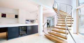 Деревянные лестницы в частном доме проекты (50 фото): удобство, уют и красота фото