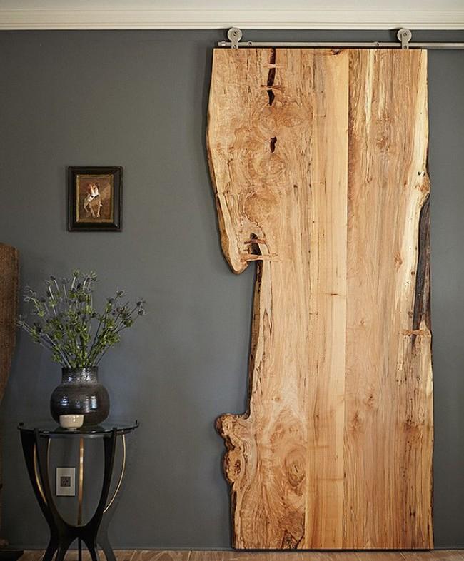 Деревянная дверь для любителей натурального