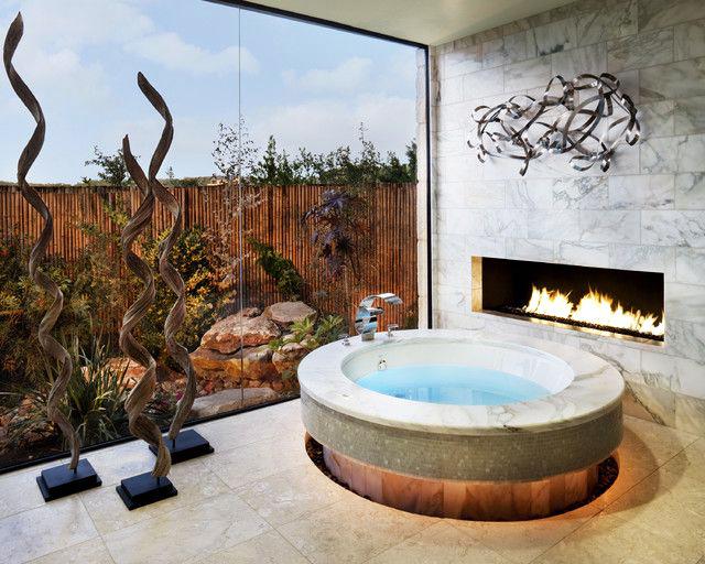 Великолепная ванная комната с джакузи