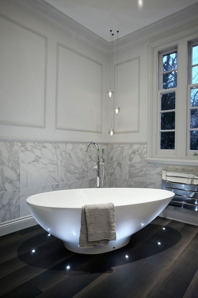 Благодаря своей безопасности светодиодные лампочки отлично подойдут и для ванной комнаты