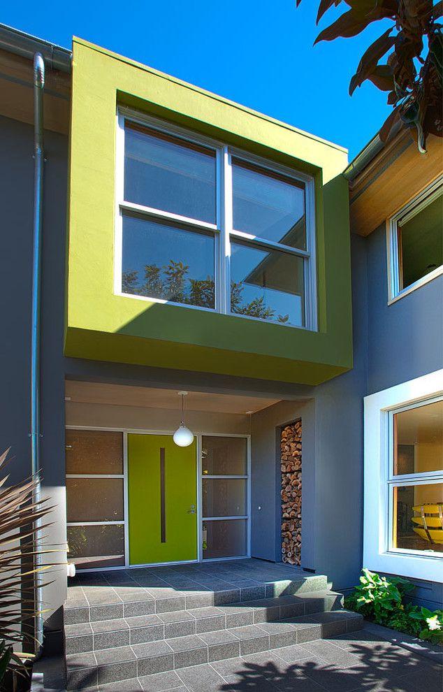 Фасад, окрашенный качественной силикатной краской, сохранит свой вид многие годы