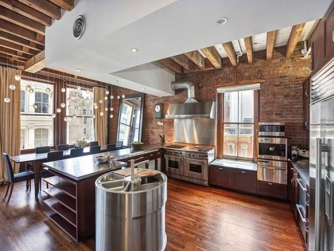 Классические цвета кухни лофт - коричневые оттенки, сочетающиеся с металлом и деревом