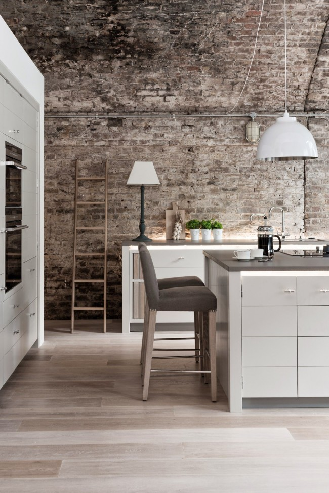 Одна кухня-лофт обычно сочетает в себе несколько видов светильников