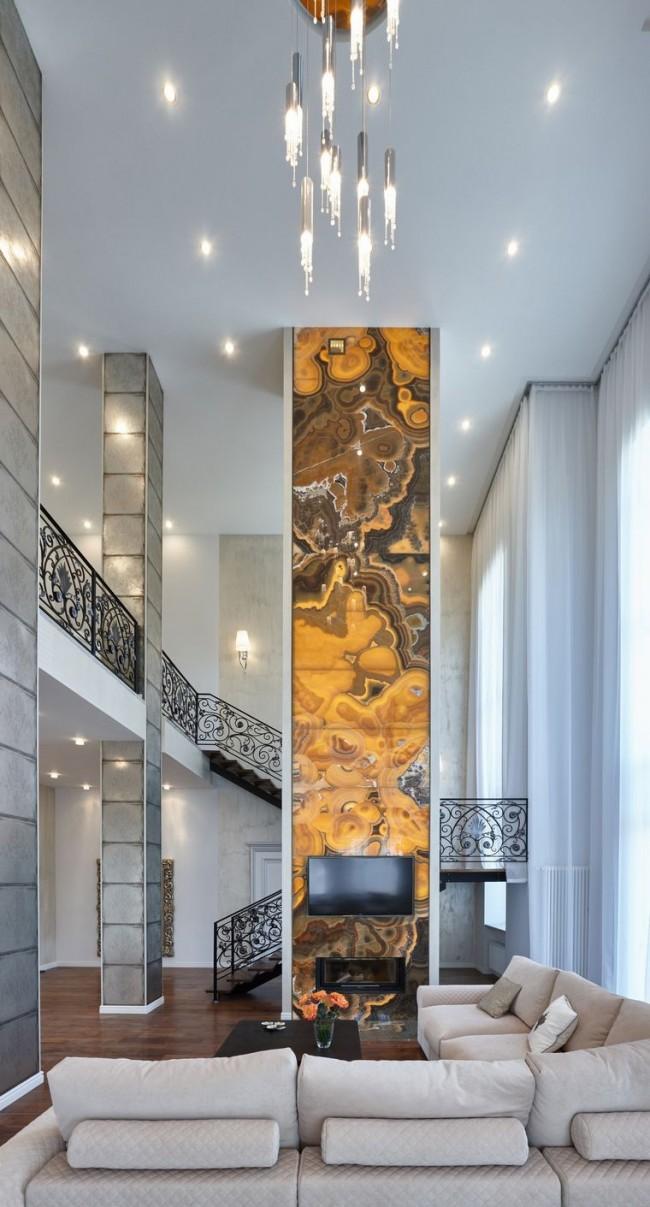 Гостиная с лестницей на металлическом каркасе