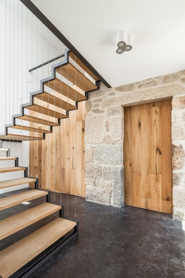 Металлическая лестница на тросах