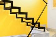 Фото 3 Лестницы на второй этаж на металлическом каркасе (59 фото): виды и правила выбора