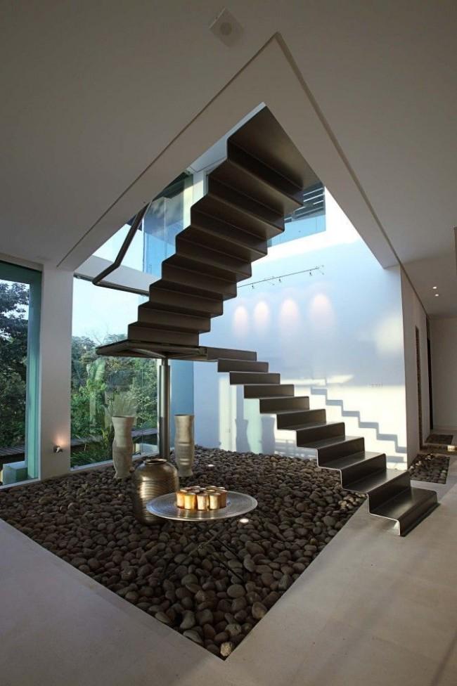Маршевая лестница наиболее удобный вариант