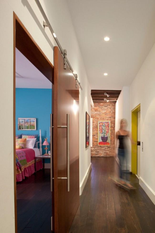 Откатная дверь из шпона в детской комнате