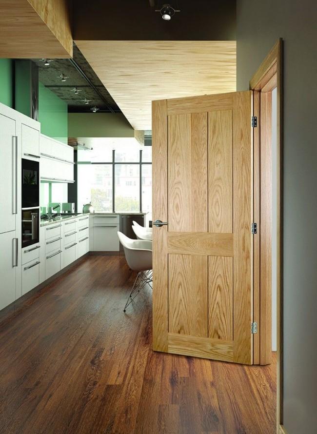 Шпонированная дверь имеет прекрасные показатели тепло и шумоизоляции