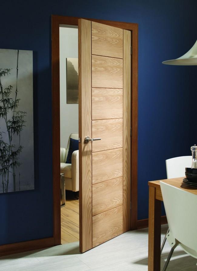 У межкомнатных дверей из шпона очень много достоинств
