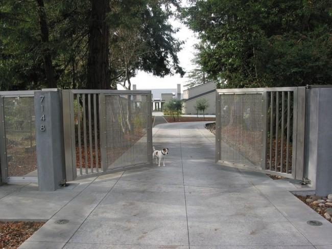 Металлические ворота имеют огромное количество достоинств