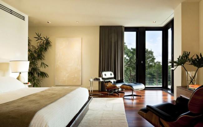 Современные пластиковые окна позволяют качественно проветривать спальную комнату
