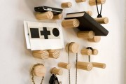 Фото 1 Настенная вешалка для одежды в прихожую: материалы, конструкции,  дизайн