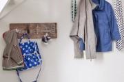 Фото 19 Настенная вешалка для одежды в прихожую: материалы, конструкции,  дизайн