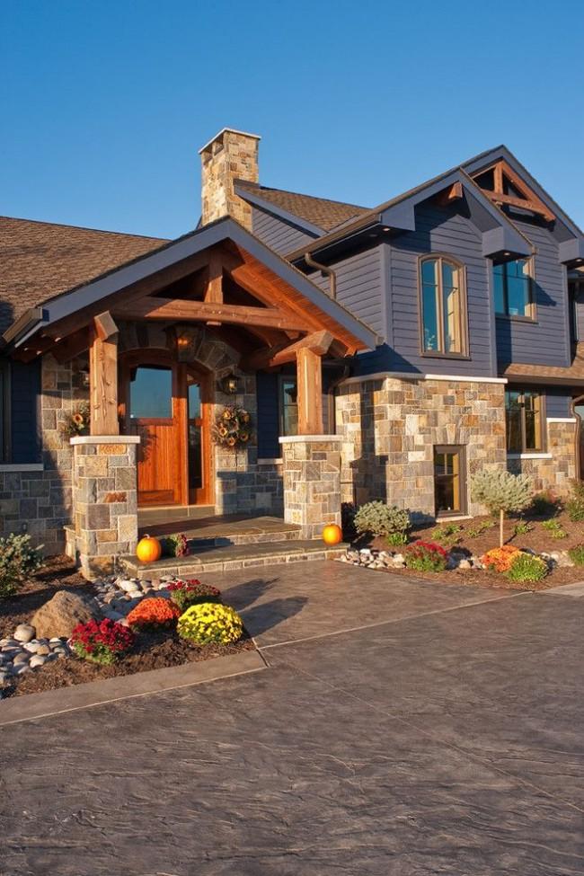 Дом с сайдингом под камень