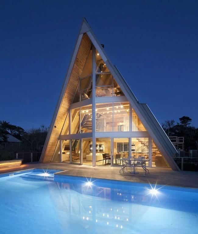 Треугольный каркасный дом