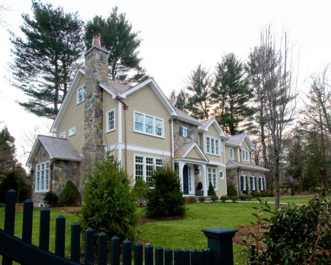 Нежный цвет, позволяет с легкостью преобразить Ваш дом и придать ему прекрасный оттенок естественной текстуры натуральной древесины