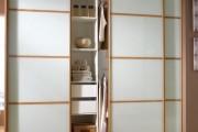 Фото 17 Встроенный шкаф-купе в прихожую (57 фото): виды и материалы