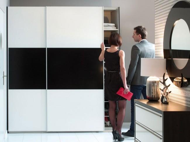 Стильный черно-белый фасад шкафа