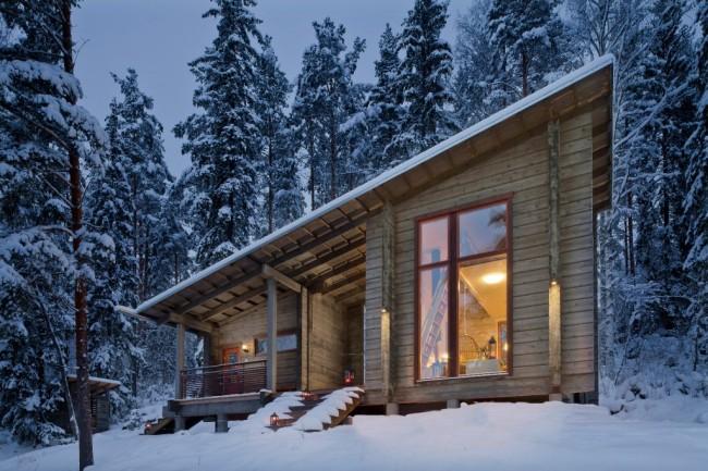 Деревянные дома из профилированного бруса. Деревянный дом из бруса толщиной 200 мм плюс двухкамерные металлопластиковые окна - сочетание, достаточное для того, чтобы не испытывать проблем с отоплением в наших климатических условиях