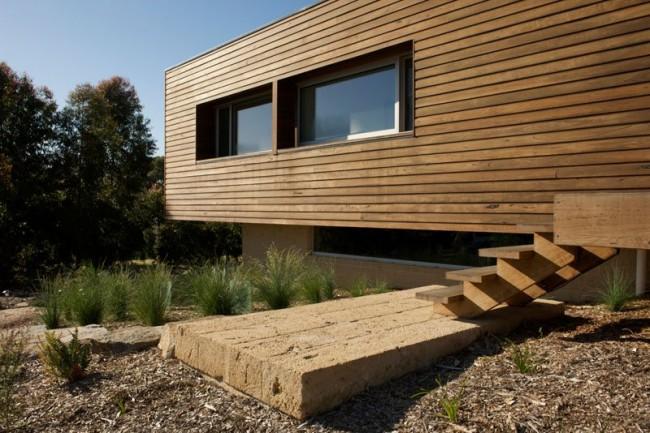 Деревянные дома из профилированного бруса. Деревянный брус - материал, не слишком ограничивающий в выборе архитектурного решения дома