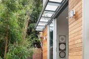 Фото 4 Козырьки из поликарбоната над крыльцом (55 фото): привлекательно, эстетично и практично