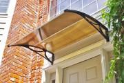 Фото 6 Козырьки из поликарбоната над крыльцом (55 фото): привлекательно, эстетично и практично